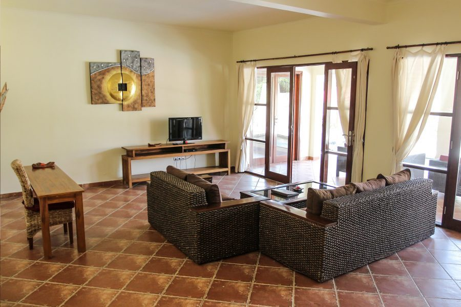luce d' alma resort and spa living room